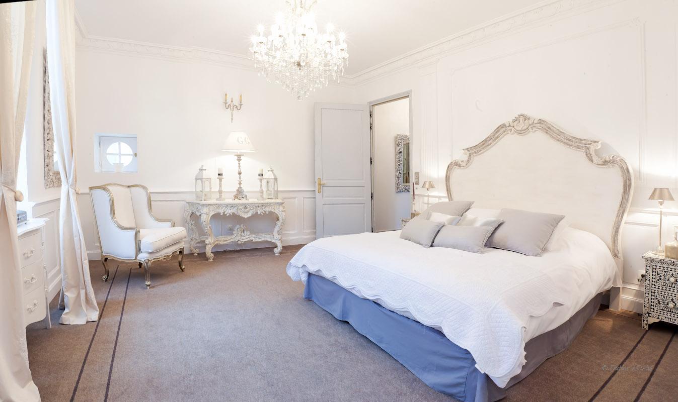 chateau de la vaudere. Black Bedroom Furniture Sets. Home Design Ideas